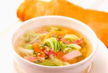 白菜とハムの和風スープ