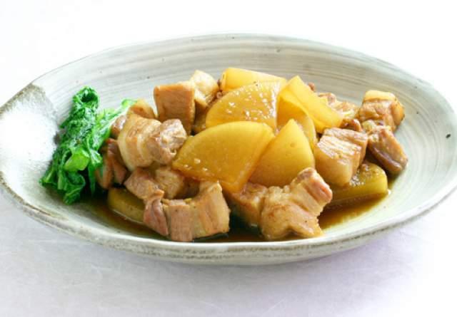 豚肉と大根の角煮