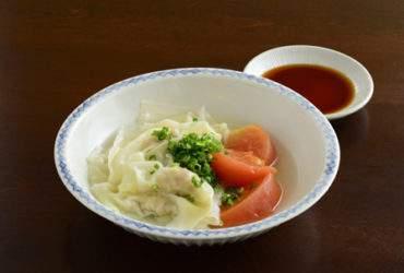 肉ワンタントマト皿