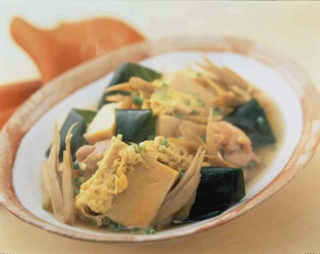 高野豆腐と鶏肉の卵とじ