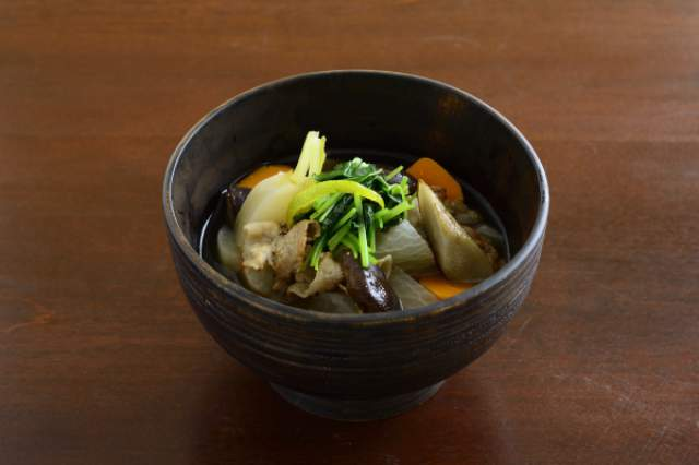 ゴロゴロ根菜の沢煮椀