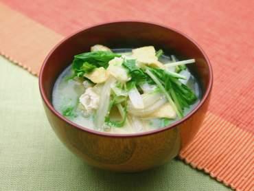白菜と水菜のハリハリ味噌汁