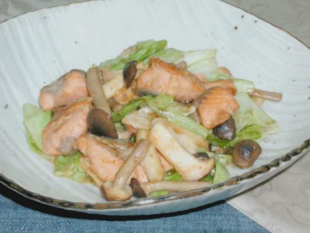 鮭とキャベツの味噌炒め