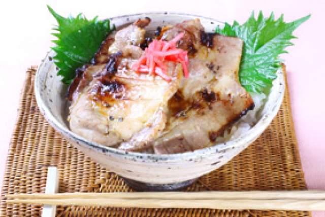 豚丼(北海道)