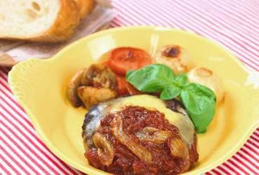 トマト煮込みのチーズハンバーグ