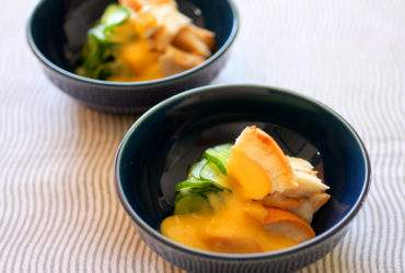 麩ときゅうりの黄身酢和え