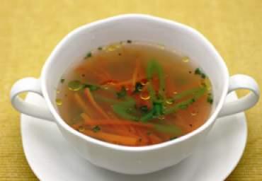 【減塩】スナップえんどうとにんじんの鶏スープ