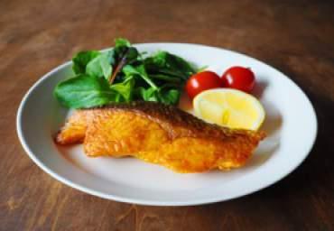 【減塩】鮭のカレームニエル
