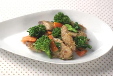 生姜焼きかつおと菜の花の炒め物