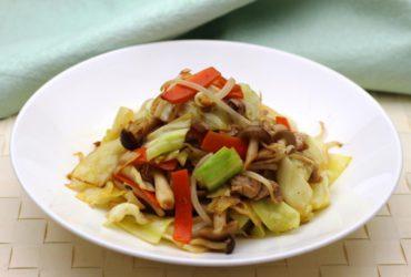 鶏のうまみで コクうま野菜炒め